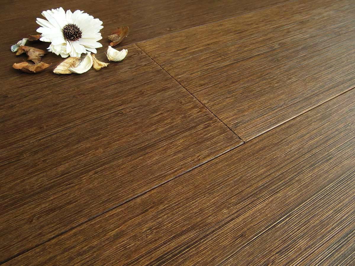 Showroom parquet antigraffio pavimentazione in legno - Disegnarecasa opinioni ...